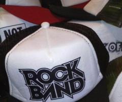 Uniform - Remeras estampadas  gorras estampadas